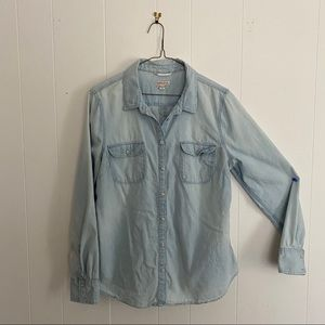 Lightweight Chambray Button Down
